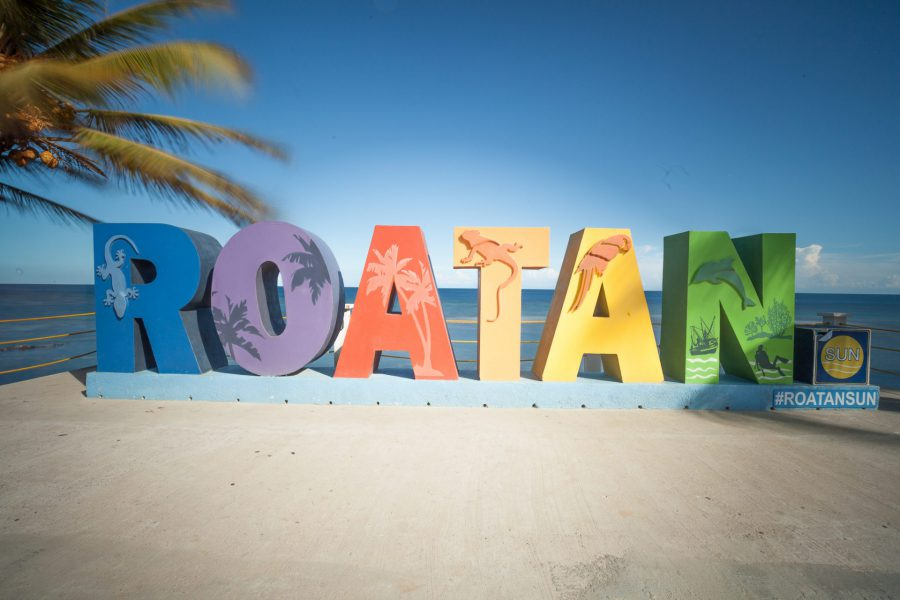 When is the best time visiting Roatan for kiting and what are the conditions like.